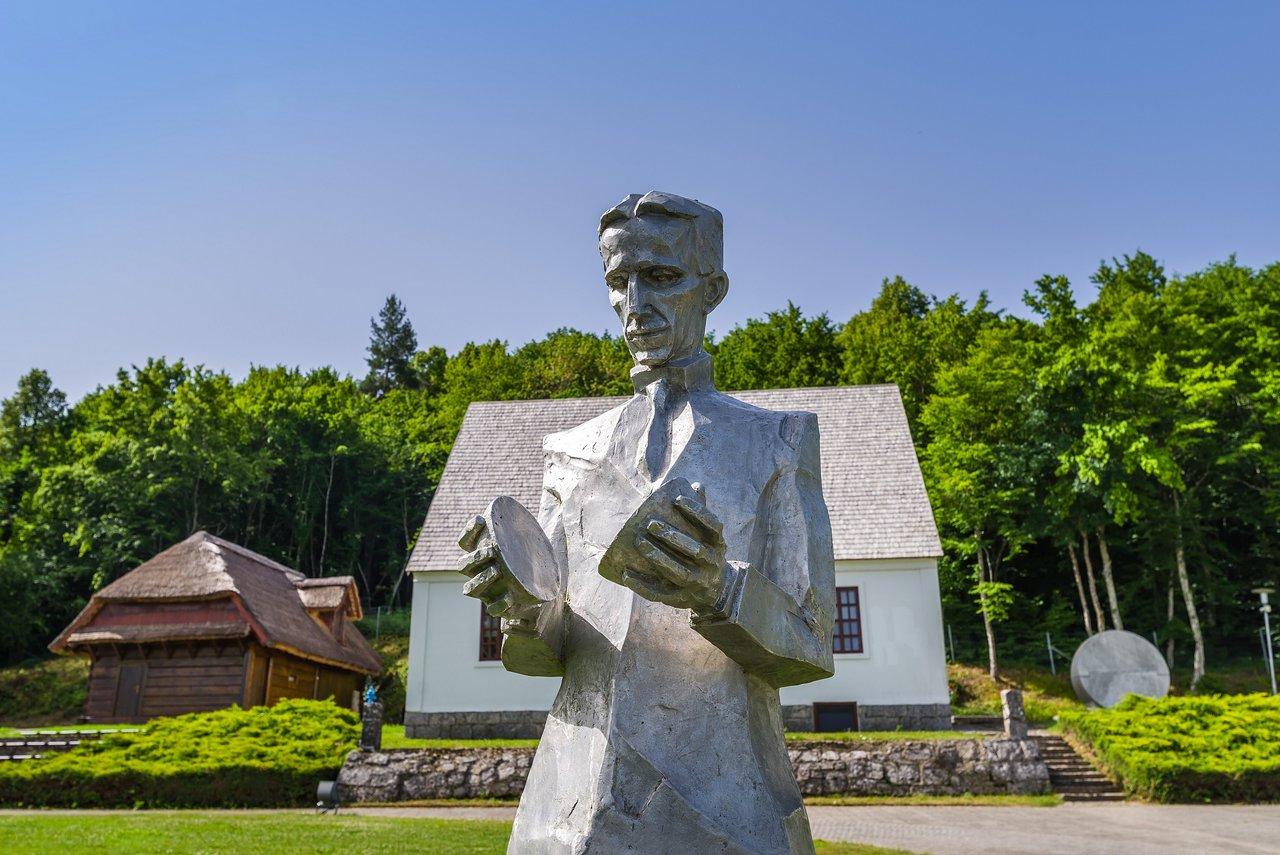 statue-of-nikola-tesla